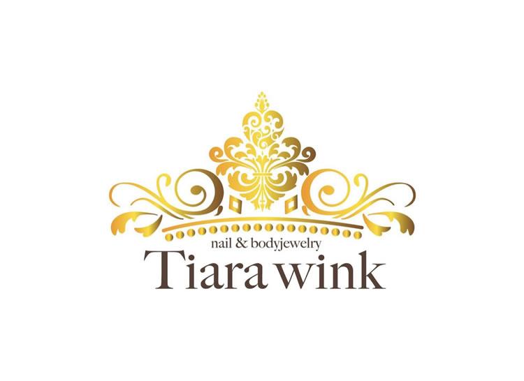 Tiara wink